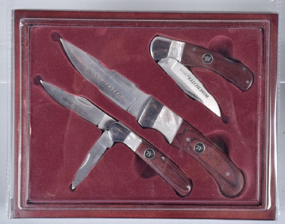 4- WINCHESTER COLLECTOR KNIFE SETS MIB - 4