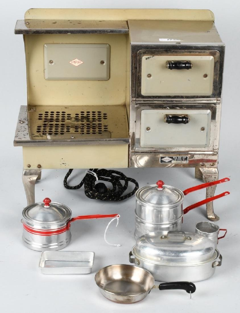 VINTAGE EMPIRE ELECTRIC CHILDS STOVE