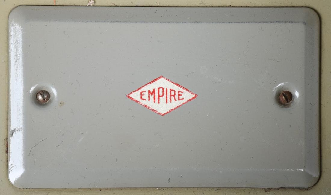 VINTAGE EMPIRE ELECTRIC CHILDS STOVE - 6