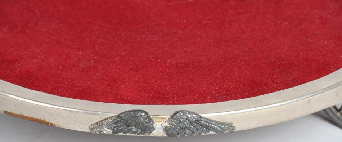 DISPLAY TRAY SET ON WHEELS WITH WINGS - 2