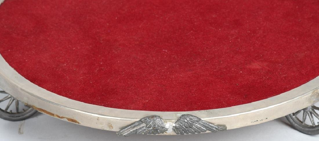 DISPLAY TRAY SET ON WHEELS WITH WINGS - 3