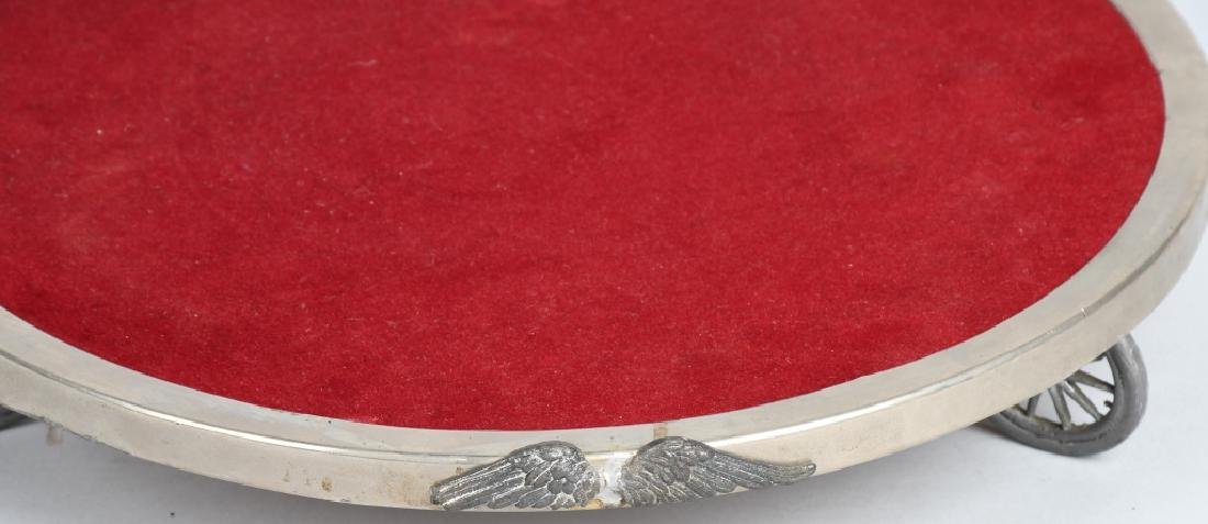 DISPLAY TRAY SET ON WHEELS WITH WINGS - 4