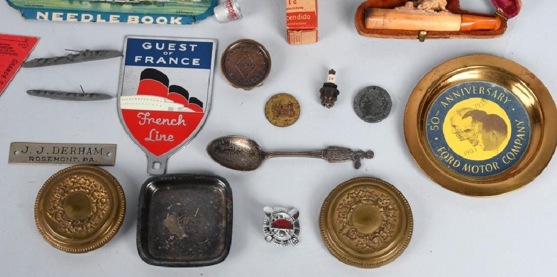 LOT OF VINTAGE ITEMS - 6