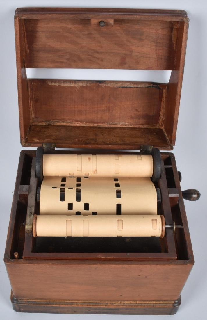 VINTAGE MELODIA PAPER ROLL MUSIC BOX - 5