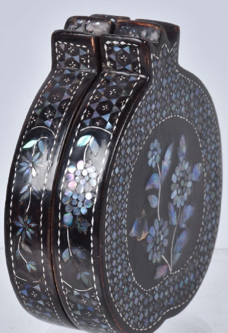 CHINESE BLACK LACQUERED BOX WITH SHELL INLAYS - 2