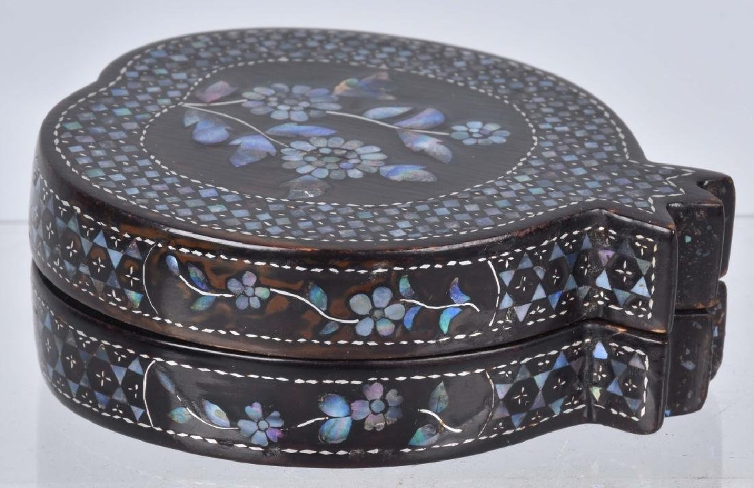 CHINESE BLACK LACQUERED BOX WITH SHELL INLAYS - 7