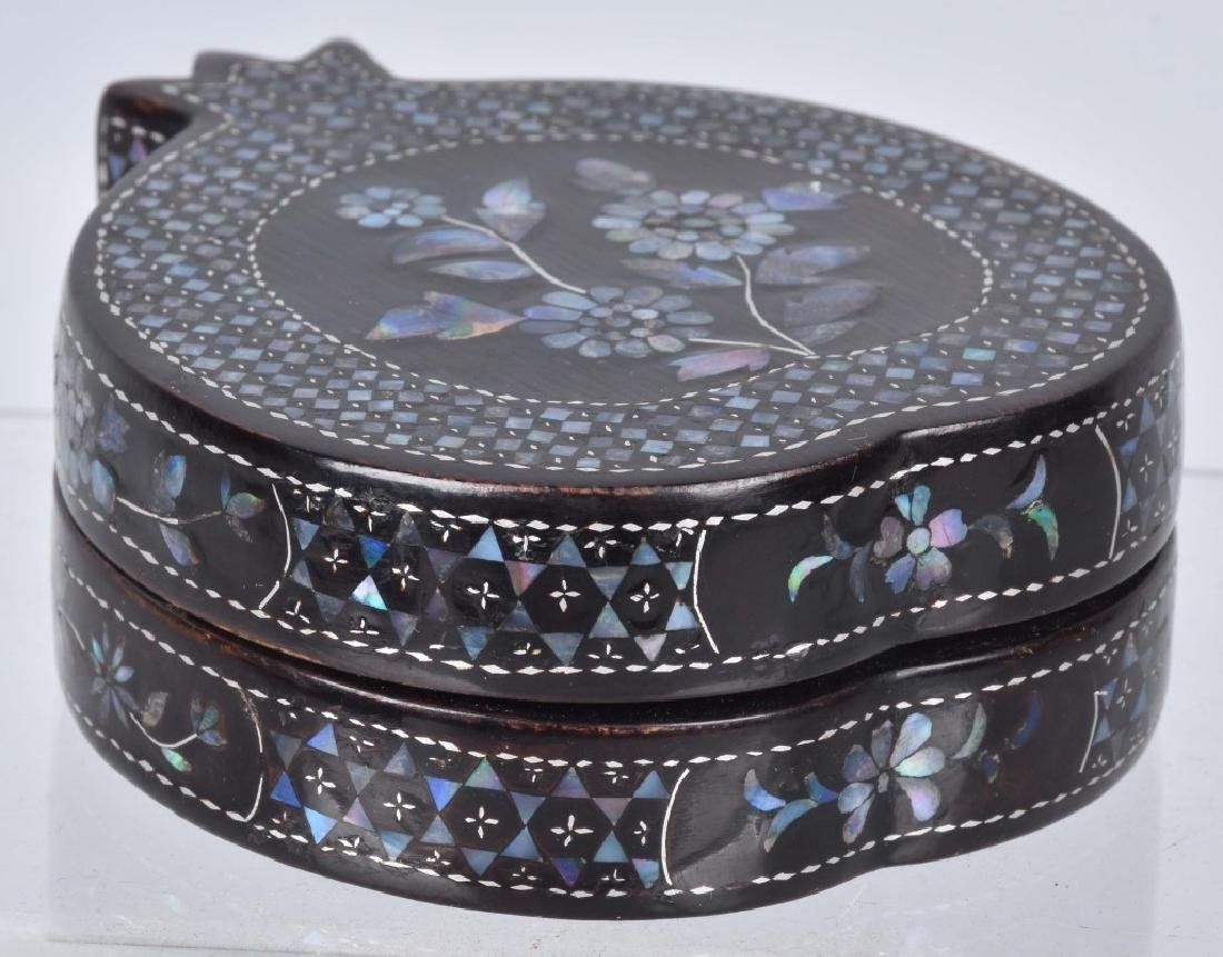 CHINESE BLACK LACQUERED BOX WITH SHELL INLAYS - 8