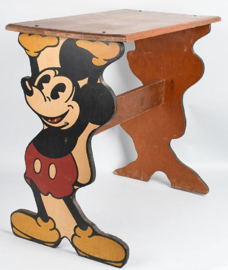 1930'S MICKEY 7 MINNIE MOUSE CHILD'S TABLE
