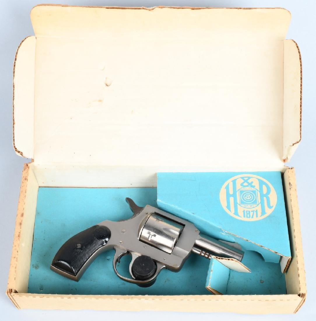 HARRINGTON & RICHARDSON M733 .32 REVOLVER