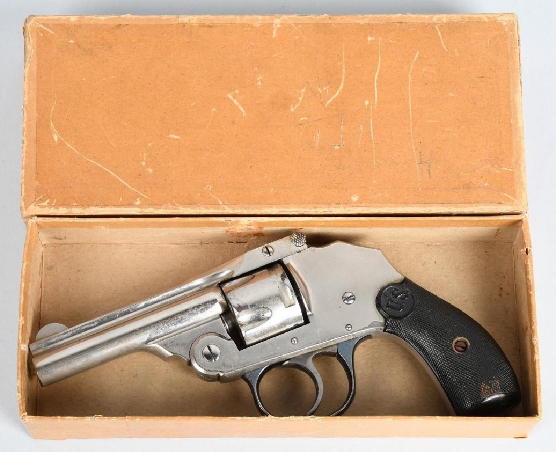 VINTAGE U.S. REVOLVER CO. .32 HAMMERLESS BOXED
