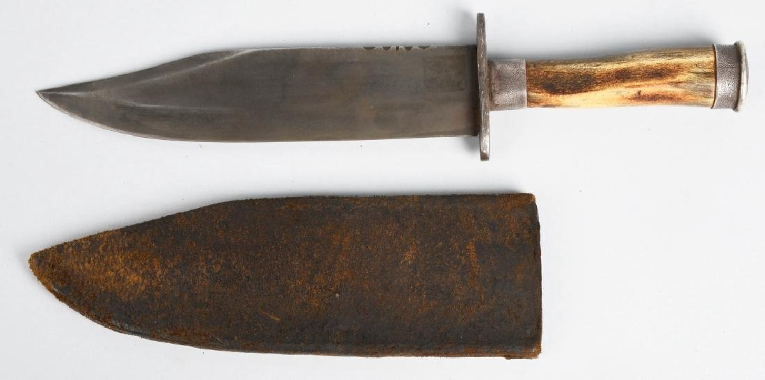 19TH CENTURY BOWIE KNIFE WITH LEATHER SCABBARD.