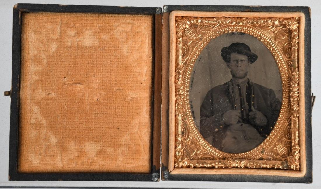 CIVIL WAR 1/9TH PLATE TINTYPE UNION SOLDIER