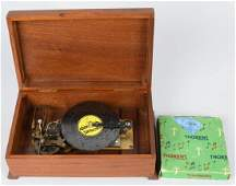 VINTAGE THORENS MUSIC BOX w DISKS