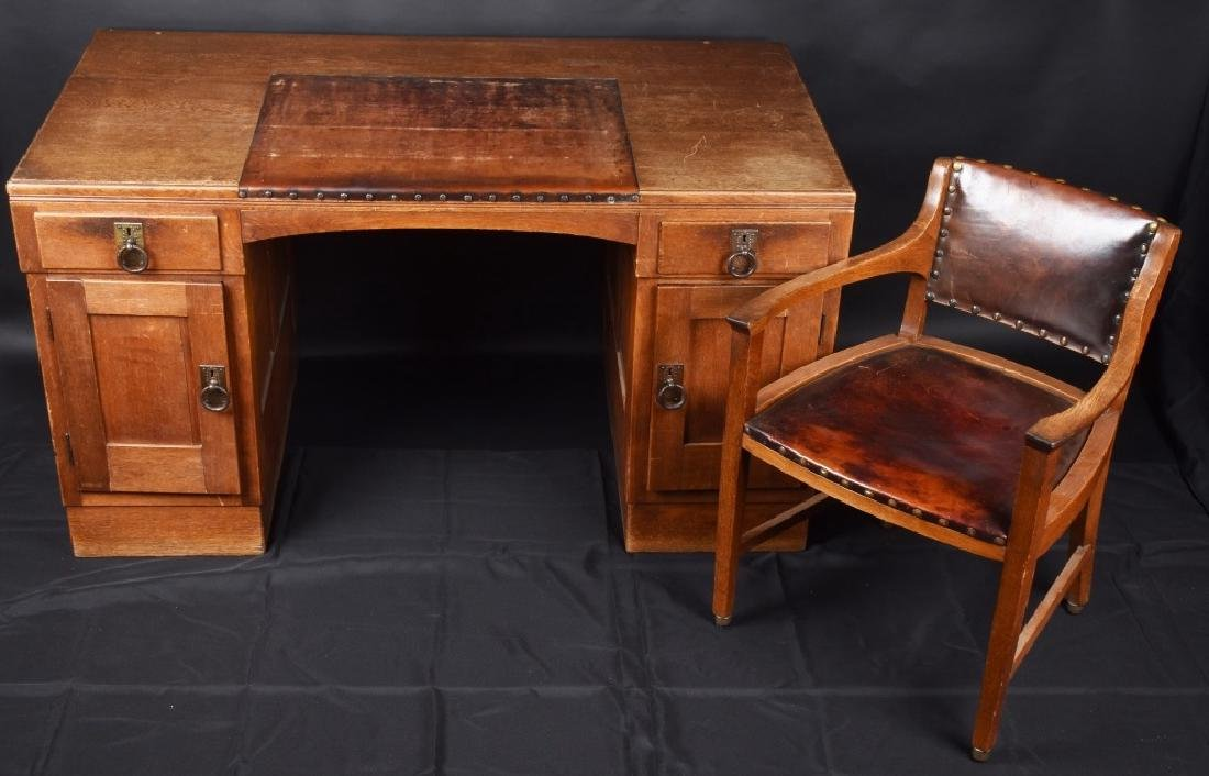 1929 ADOLF HITLER'S PERSONAL DESK & CHAIR