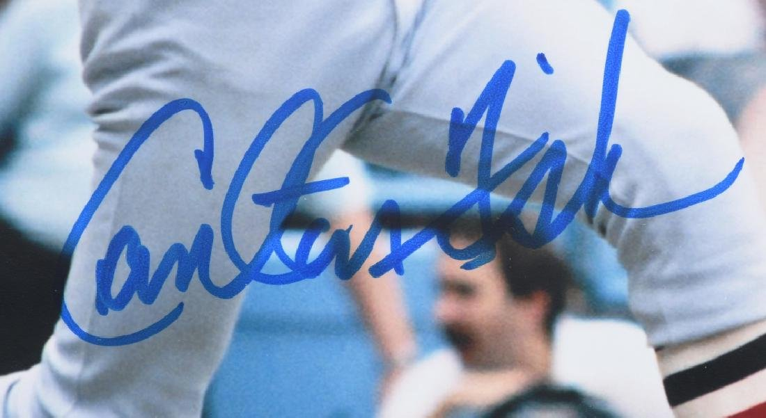 CARLTON FISK SIGNED COLOR 8X10 PHOTO - 2