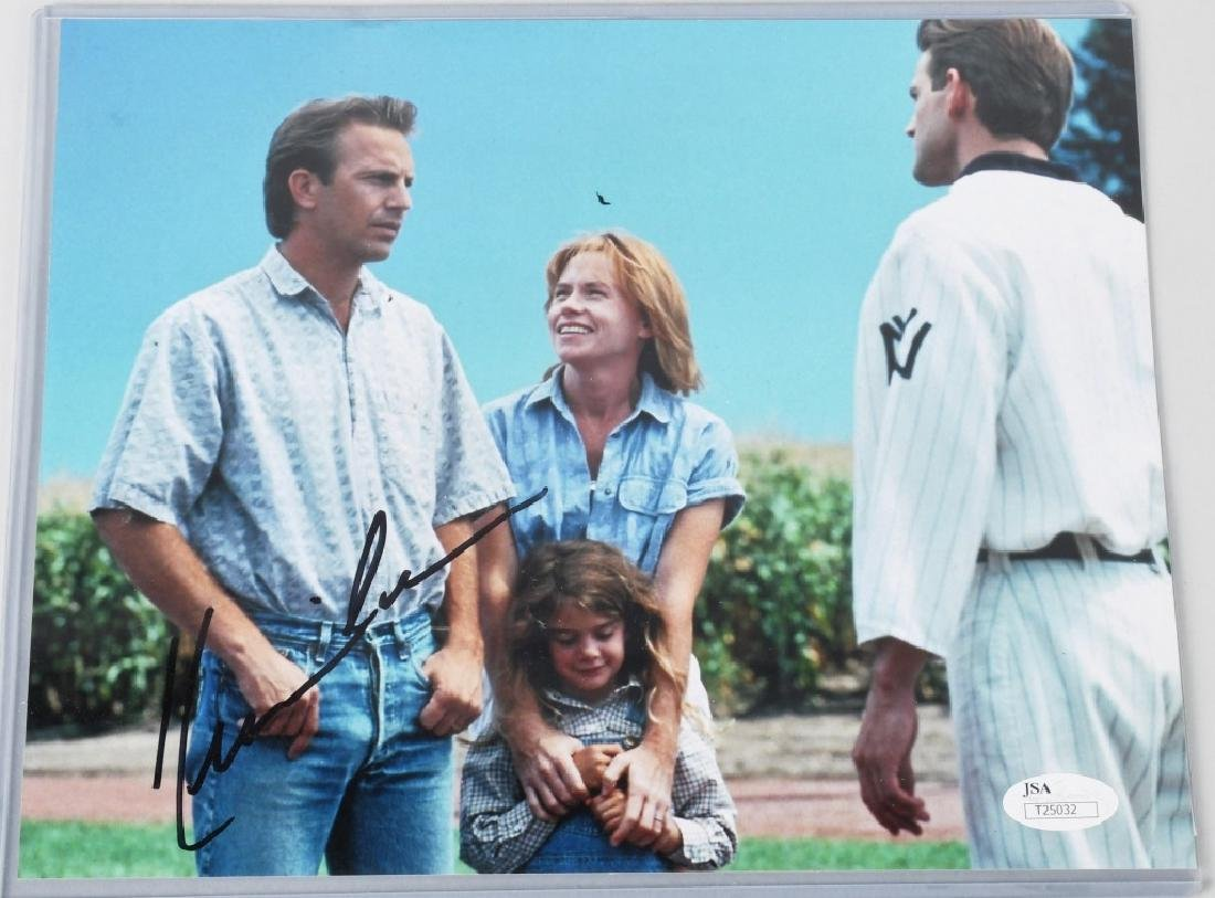 ACTOR KEVIN COSTNER SIGNED COLOR PHOTO