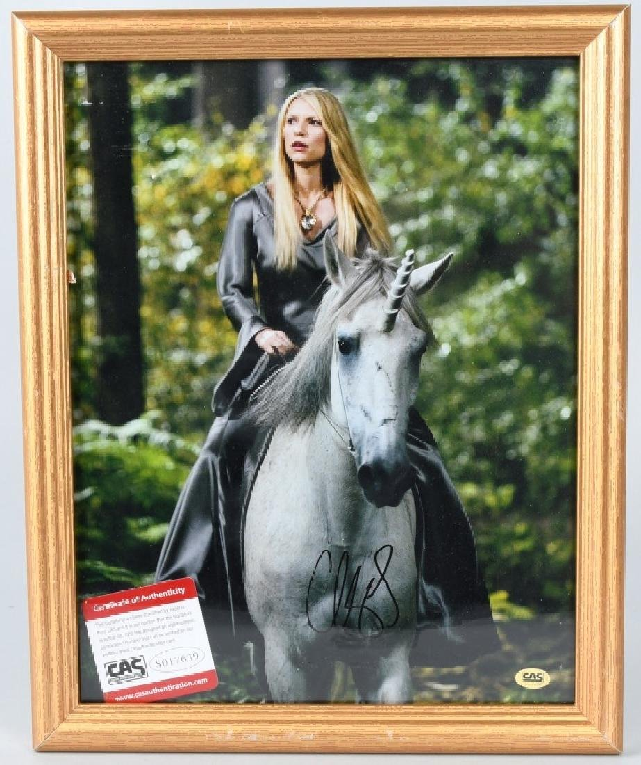 GWYNETH PALTROW AUTOGRAPHED PICTURE