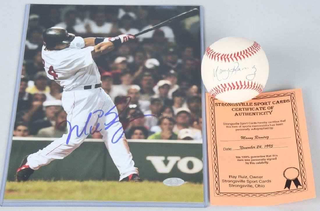 MANNY RAMIREZ SIGNED PHOTO & BASEBALL CARD