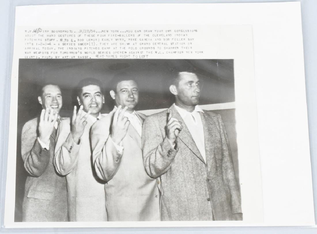 ORIGINAL WIRE PHOTO CLEVELAND INDIANS GREATS