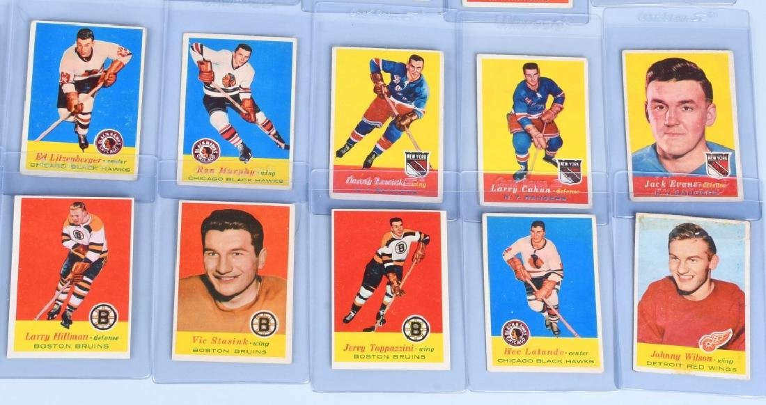 46- 1957 TOPPS HOCKEY CARDS - 4