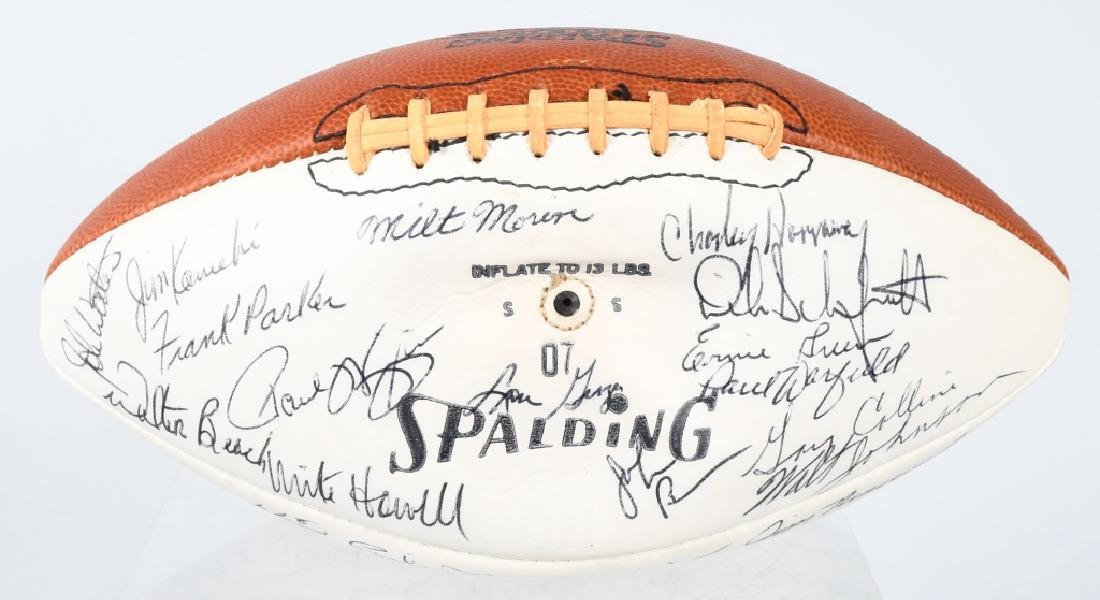 AFL FOOTBALL WITH 40+ PLAYER AUTOGRAPHS