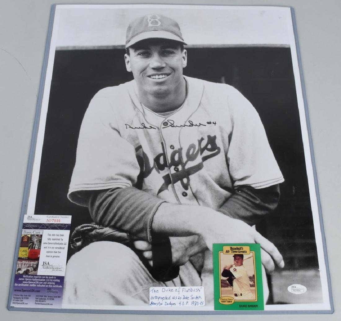"DOGERS DUKE SNIDER AUTOGRAPHED 20""X16"" PICTURE"