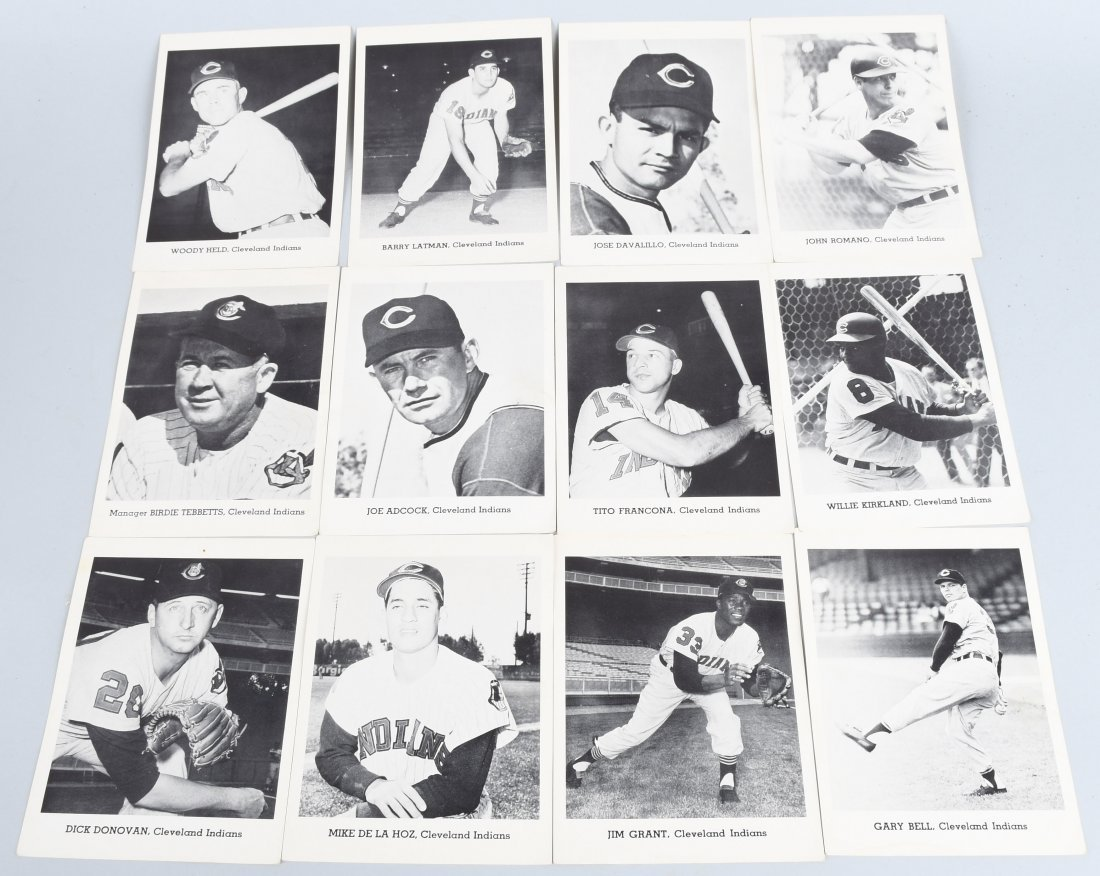12- 1940s CLEVELAND INDIANS TEAM CARDS