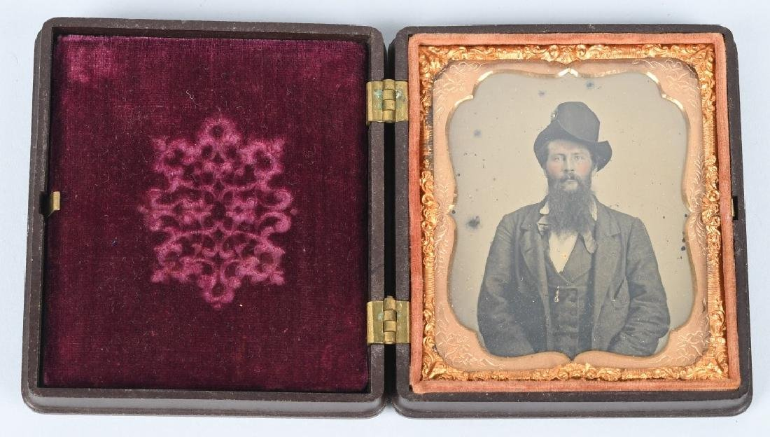 CIVIL WAR AMBROTYPE HAT COCKADE IN PATRIOTIC CASE