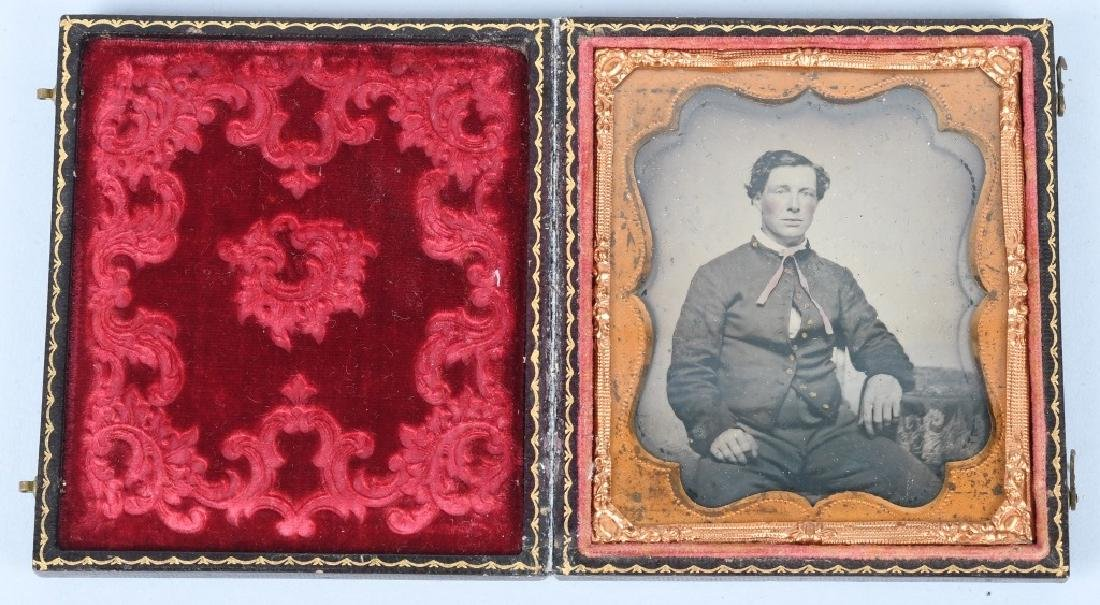 CIVIL WAR 1/6TH PLATE AMBROTYPE UNION SOLDIER