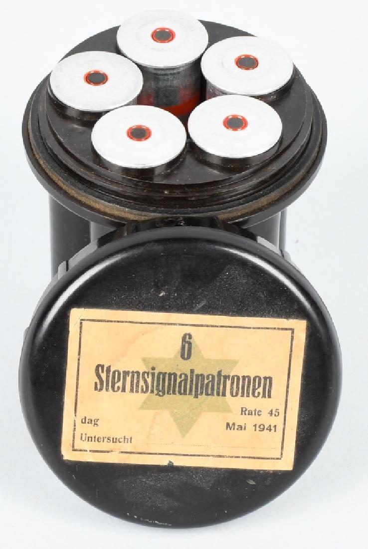 WWII NAZI GERMAN BAKELITE FLARE CASE W ITH FLARES