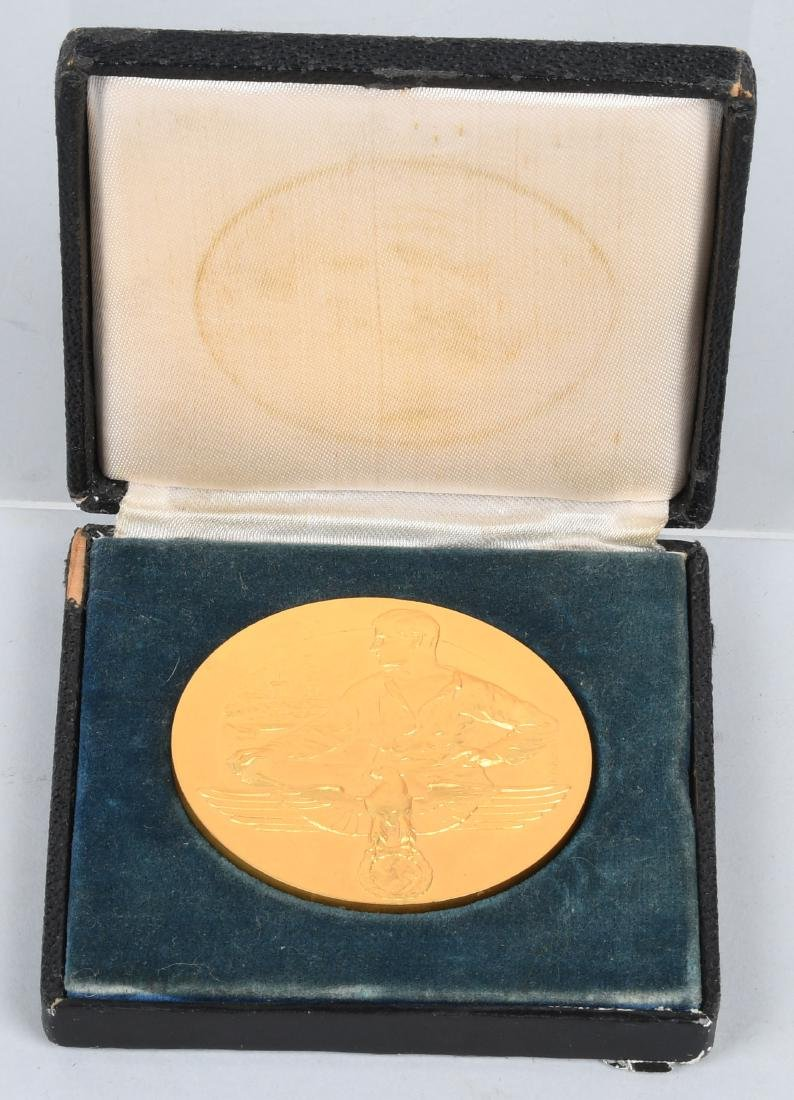 WWII NAZI REICHBERG CASED PRESENTATION MEDALLION - 2