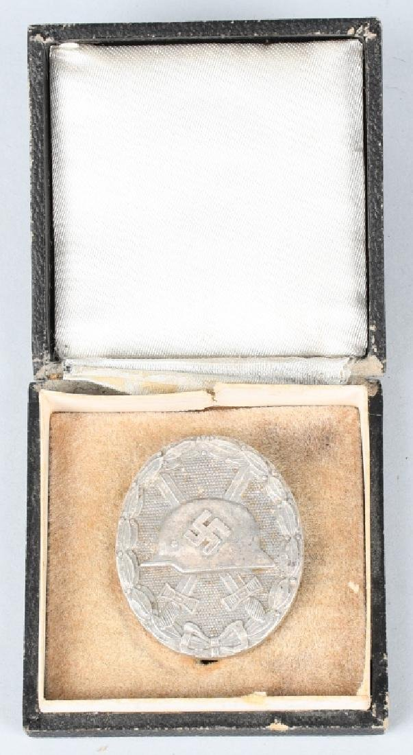 WWII NAZI GERMAN CASED SILVER WOUND BADGE