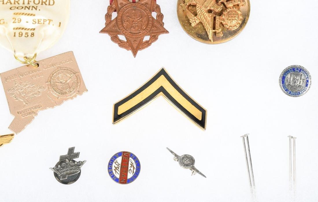 U.S. MILITARY PIN COLLAR DISC INSIGNIA LOT - 7