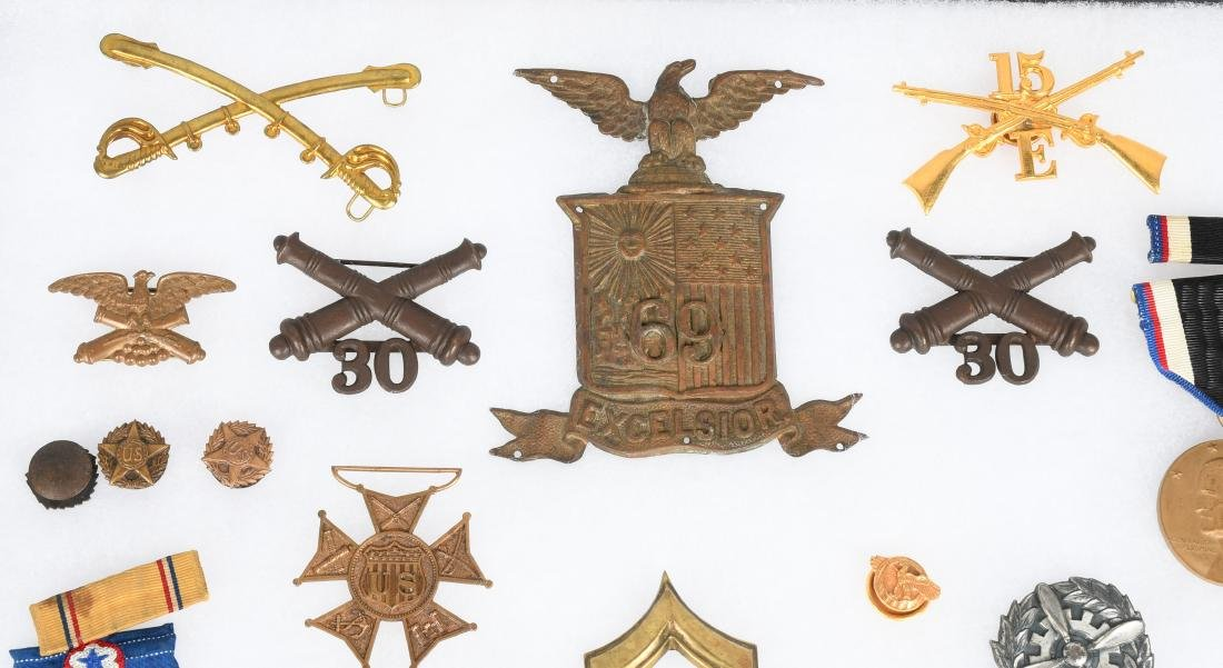 U.S. MILITARY PIN COLLAR DISC INSIGNIA LOT - 8