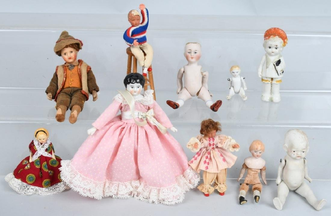 BOX LOT OF MINIATURE VINTAGE DOLLS