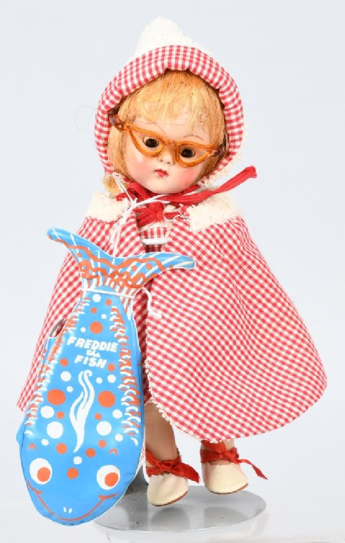 VOGUE GINNY GOING to the BEACH DOLL,