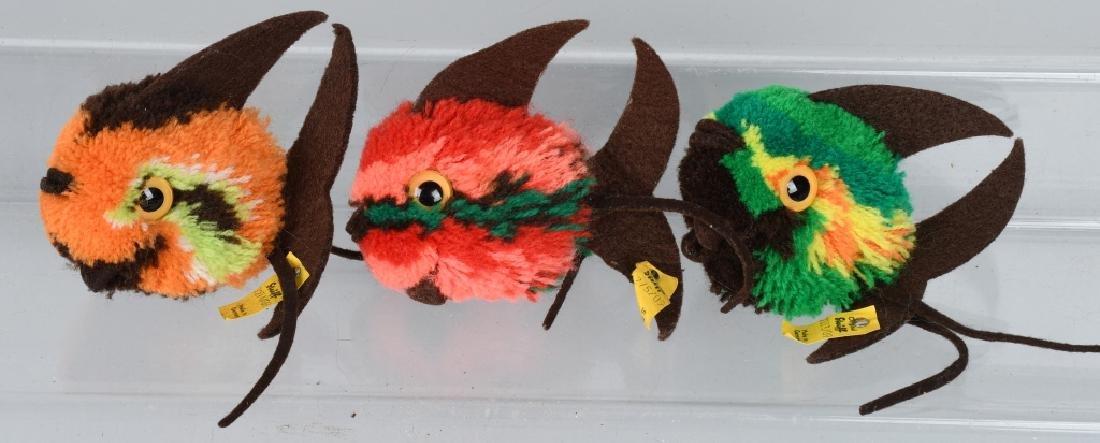 STEIFF BAT SET AND THREE WOOLEN FISH - 5