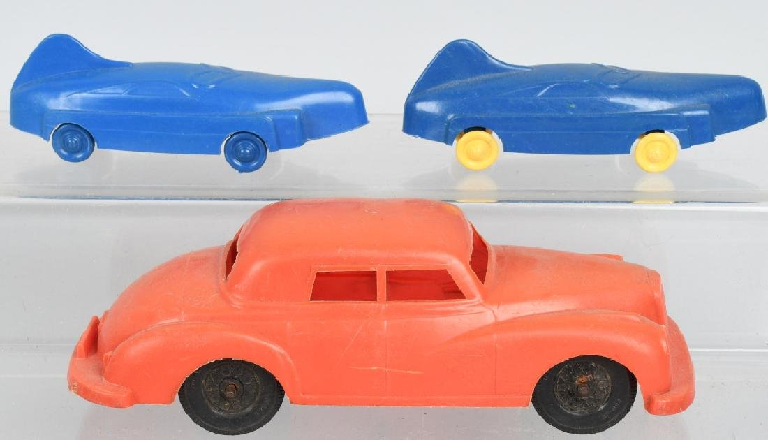 LOT OF VINTAGE TOY VEHICLES - 4