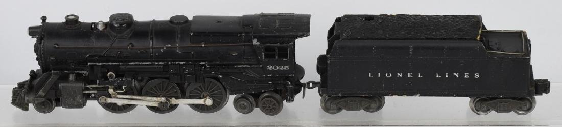 LIONEL No. 2025 & 6466WX TENDER