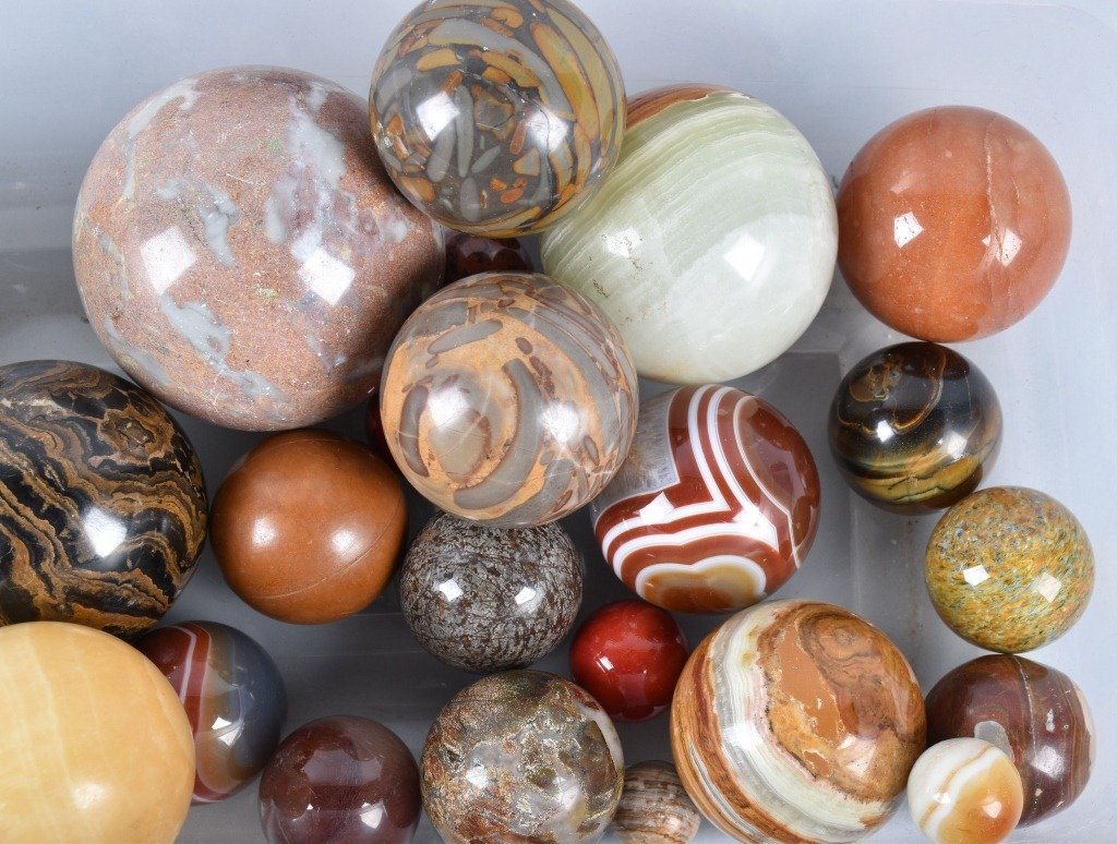 LARGE LOT OF CARPET BALL MARBLES - 3