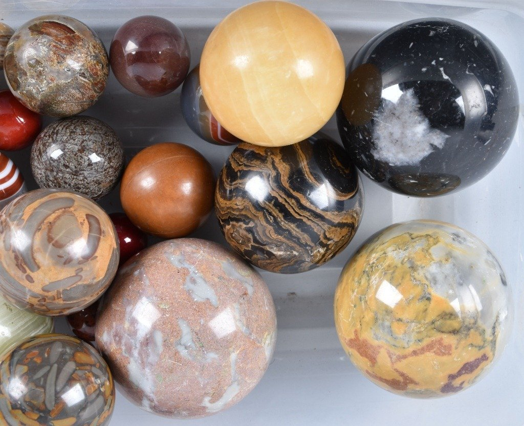 LARGE LOT OF CARPET BALL MARBLES - 4