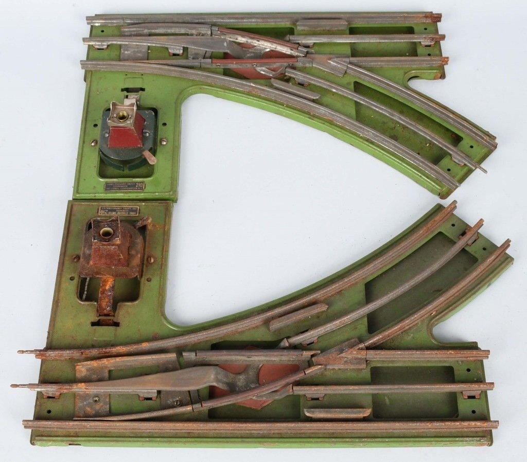 LIONEL PREWAR SIGNAL BRIDGE, SWITCHES, & BRIDGE - 4