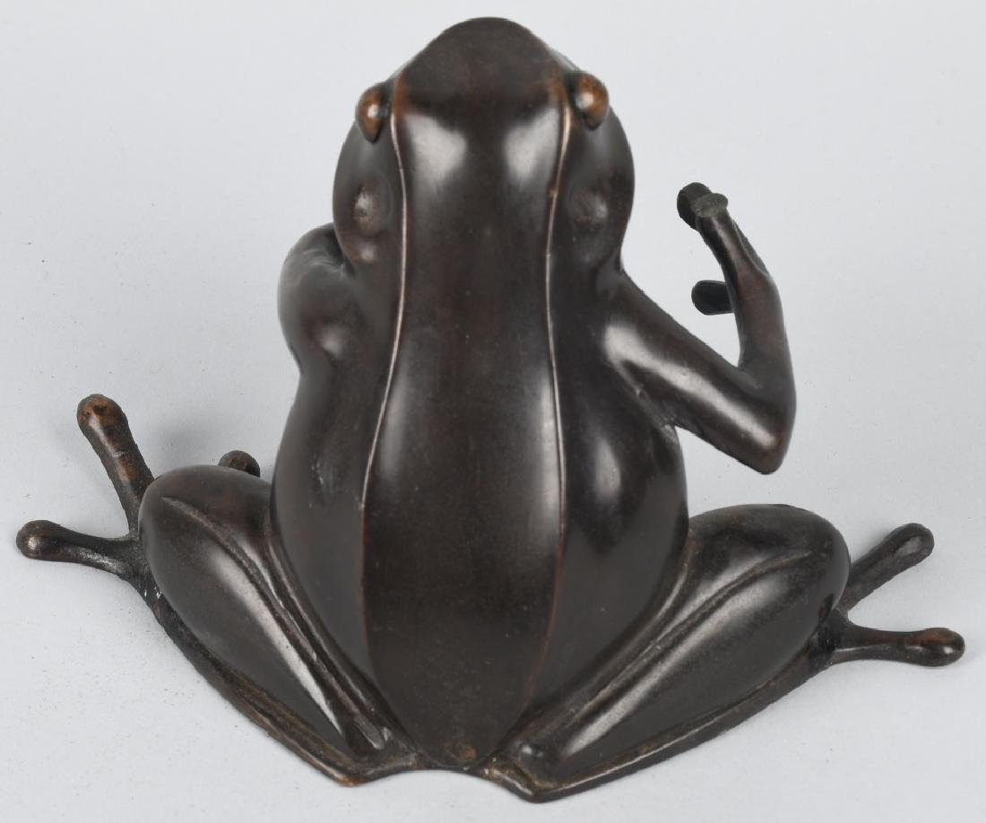 BRONZE SEATED TREE FROG - 3