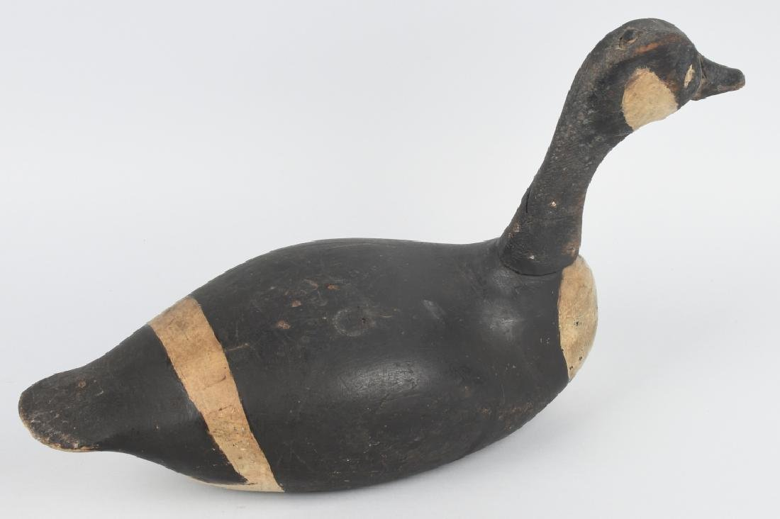 CANADIAN GOOSE HUNTING DECOY MARKED U.S. - S.S. - 4