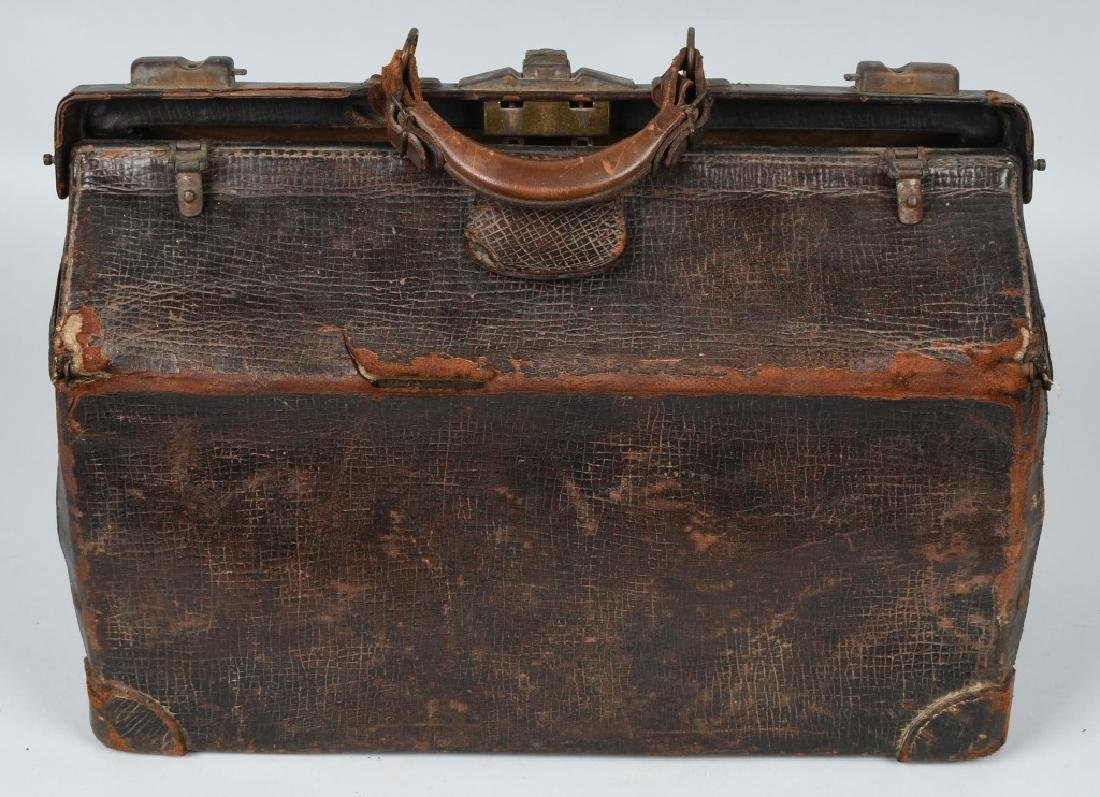 W.H. TOWNE M.D. SURGICAL BAG, IMPLEMENTS & MORE - 2