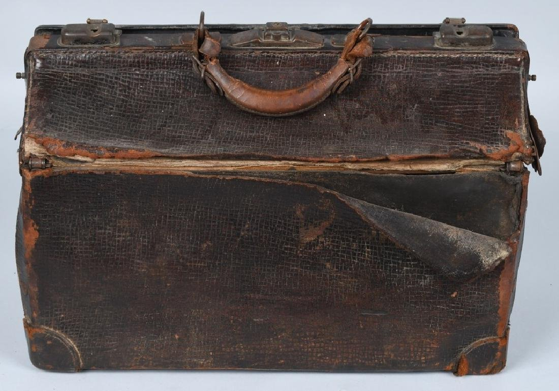 W.H. TOWNE M.D. SURGICAL BAG, IMPLEMENTS & MORE - 7