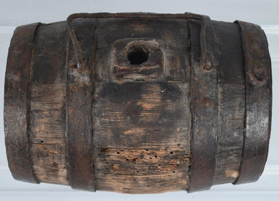 18th-19th CENT. WOOD IRON BANDED CANTEEN - 4