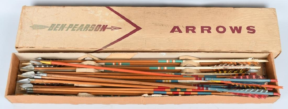 21- VINTAGE BEN PEARSON HUNTING ARROWS w/ BOX