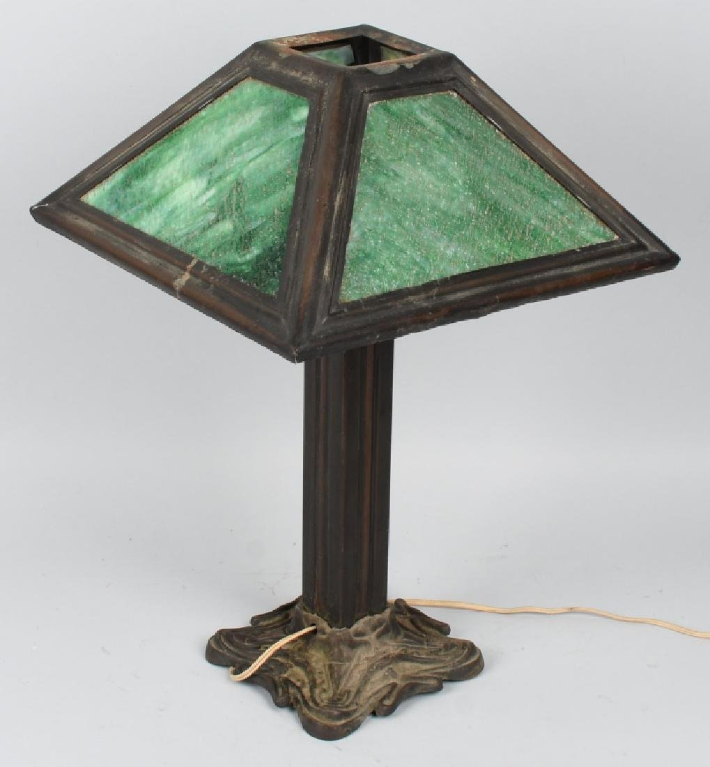 ARTS & CRAFTS STYLE SLAG GLASS TABLE LAMP - 2