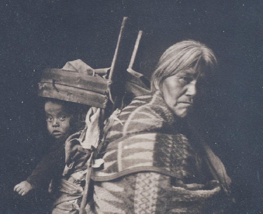 NAVAJO MOTHER & CHILD PHOTO, CARPENTER, 1915 - 2